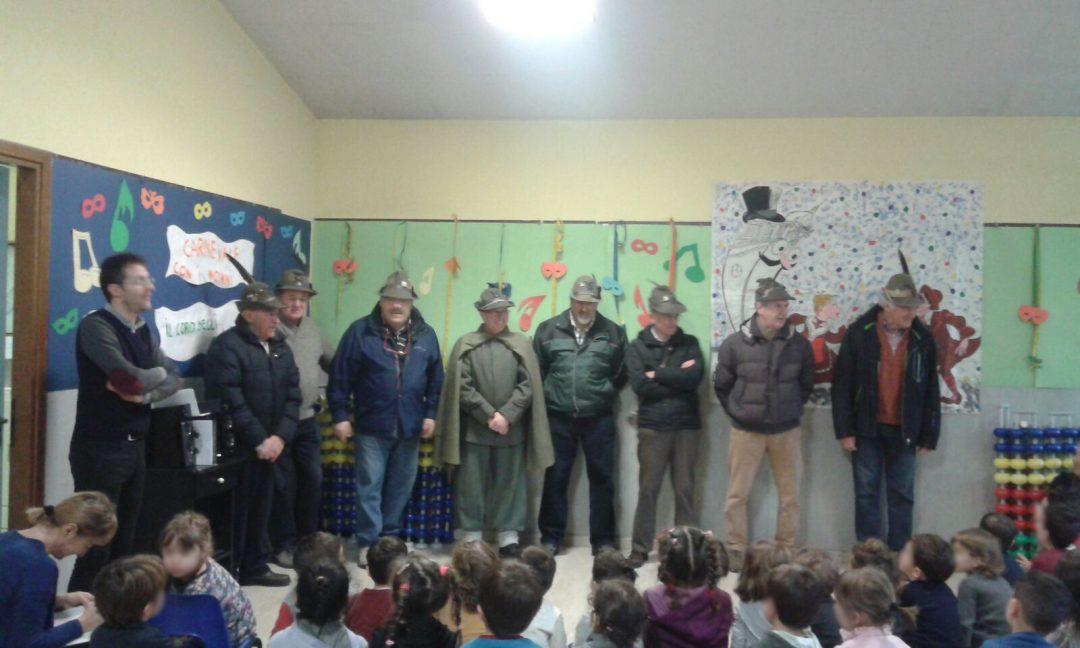 Alpini alla scuola dell'infanzia Anna Maria Negri